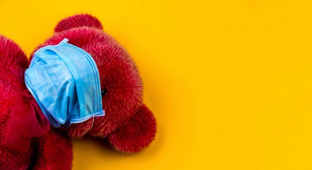 マスクをするクマ