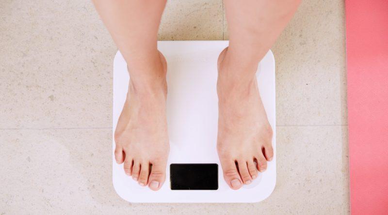 体重を気にする人